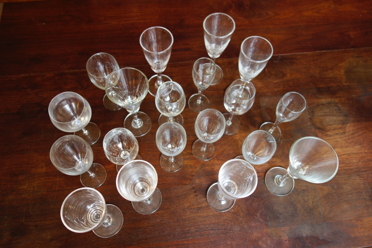 19 stemmed glasses with no set of 8 matching